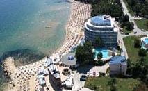 Промо оферта висок сезон първа линия All Inclusive с чадър и шезлонг на плажа от Сириус Бийч, Св. Константин