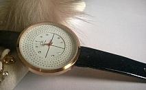 Тип механизъм: Кварцов хронограф - Задвижва се от батерия  Материал на корпуса: Неръждаема стомана с   Верижка/Каишка: Медицинска стомана и кожа  Каишката на часовника започва от 18см и стига до 23см.  Календар: Дата 4 часа  Водоустойчивост: 5 b